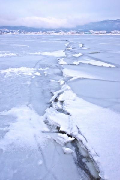 Lake Suwi's Omiwatari, when the ice heaves in a line across the lake