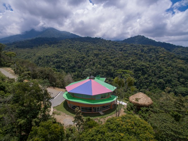 Lillian Meighen Wright Centre in rain forest on York U EcoCampus in Costa Rica
